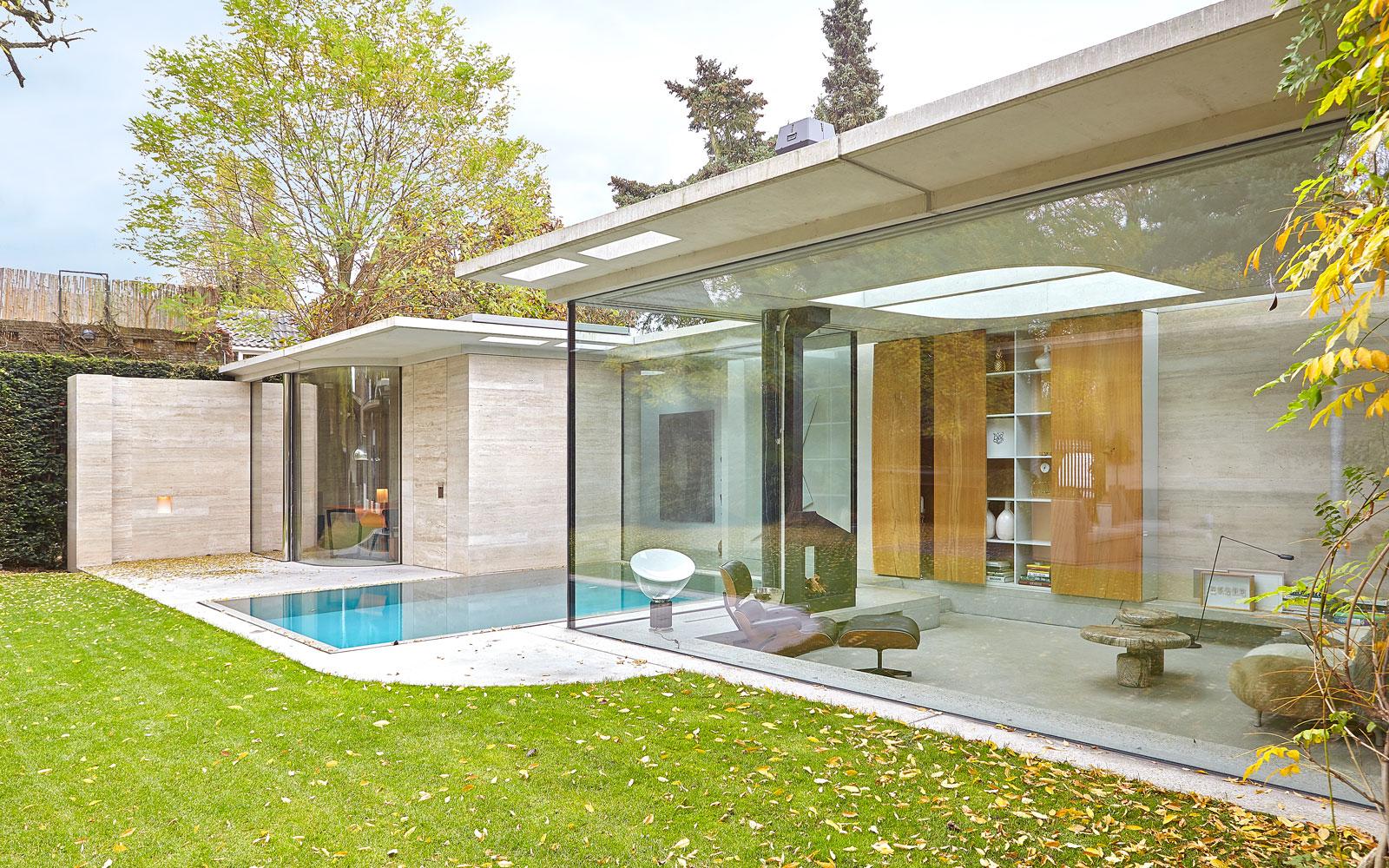 Zwembad, wellness, grote ramen, veel glas, tuin, vooroorlogse villa, De Bever Architecten