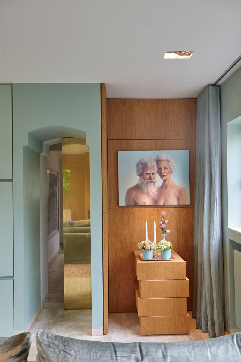 Groene muur, boog, houten wand, schilderij, kunst, vooroorlogse villa, De Bever architecten