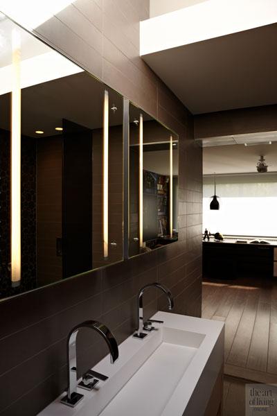 Badkamer, sanitair, verschillende materialen, jacuzzi, wellness, extreme verbouwing, Osiris Hertman