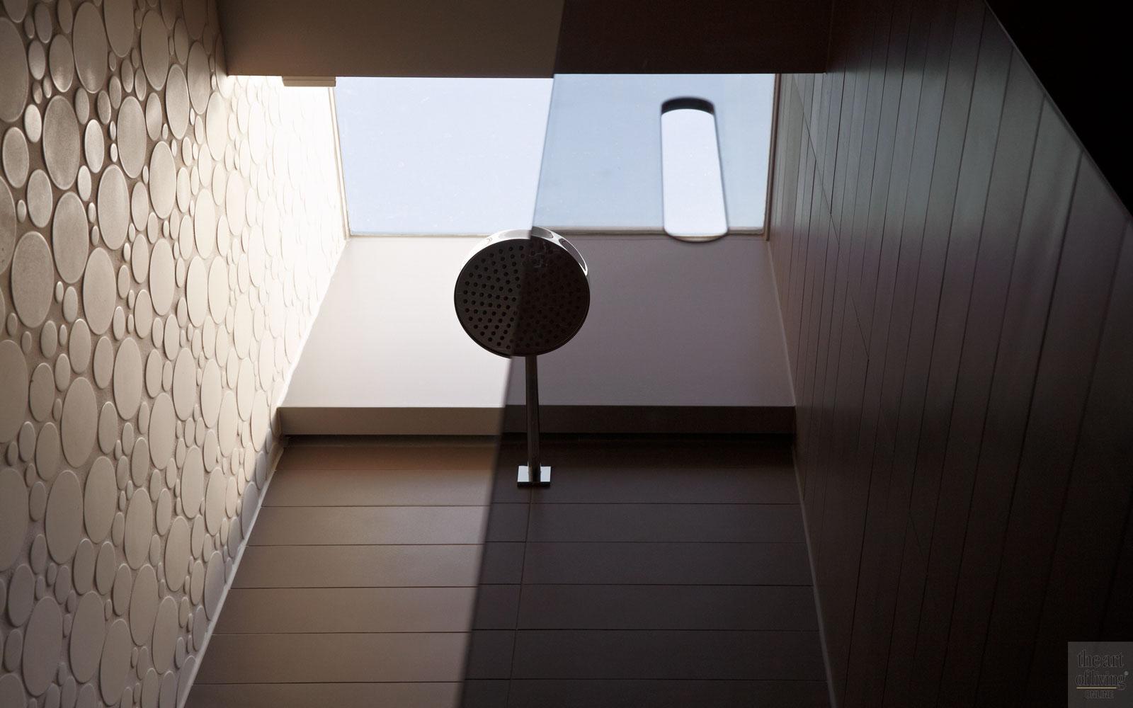 Regendouche, sanitair, glas, lichtstraat, lichtinval, extreme verbouwing, Osiris Hertman