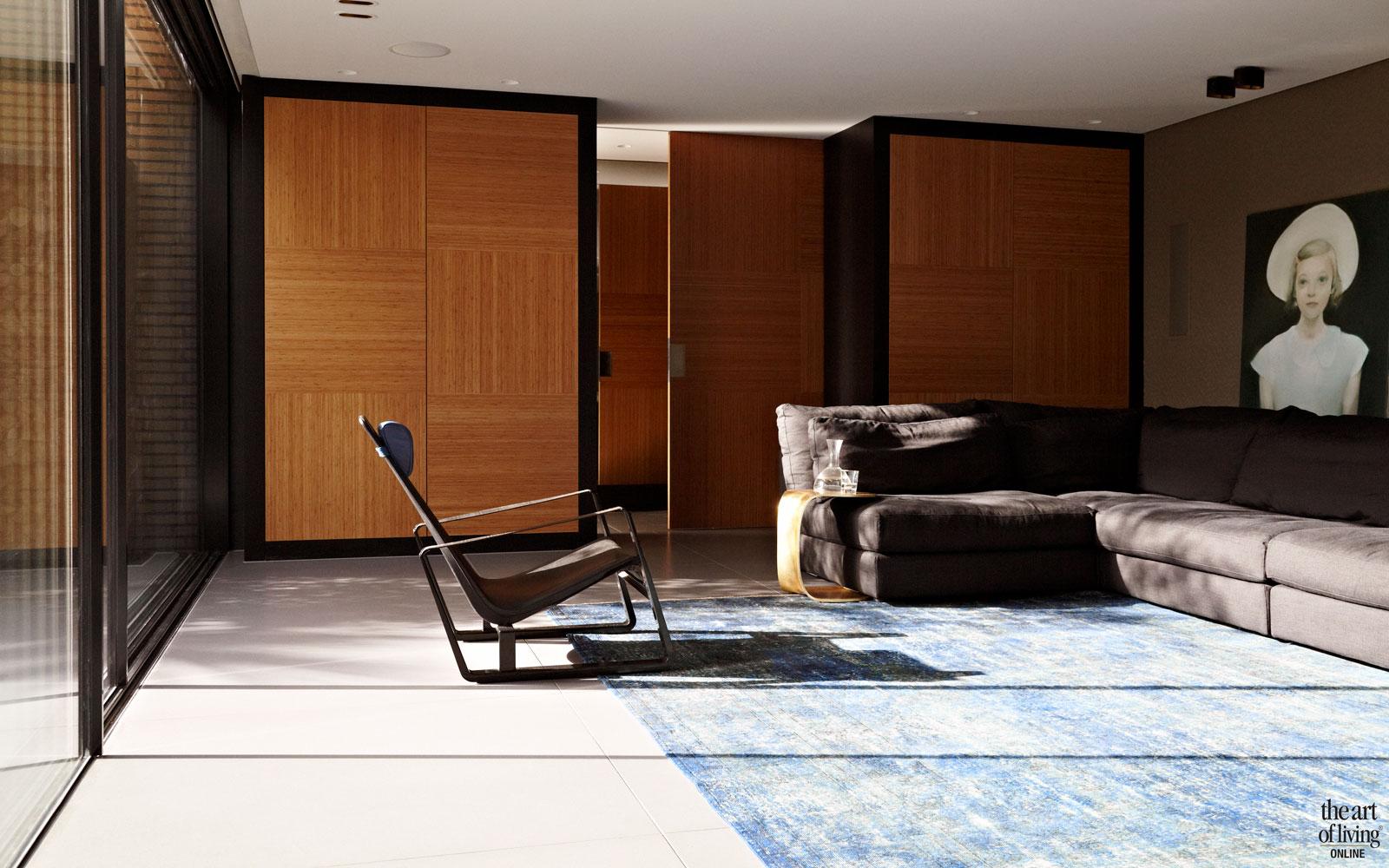 Woonkamer, Vitra, stoelen, meubilair, grote ramen, hout, extreme verbouwing, Osiris Hertman