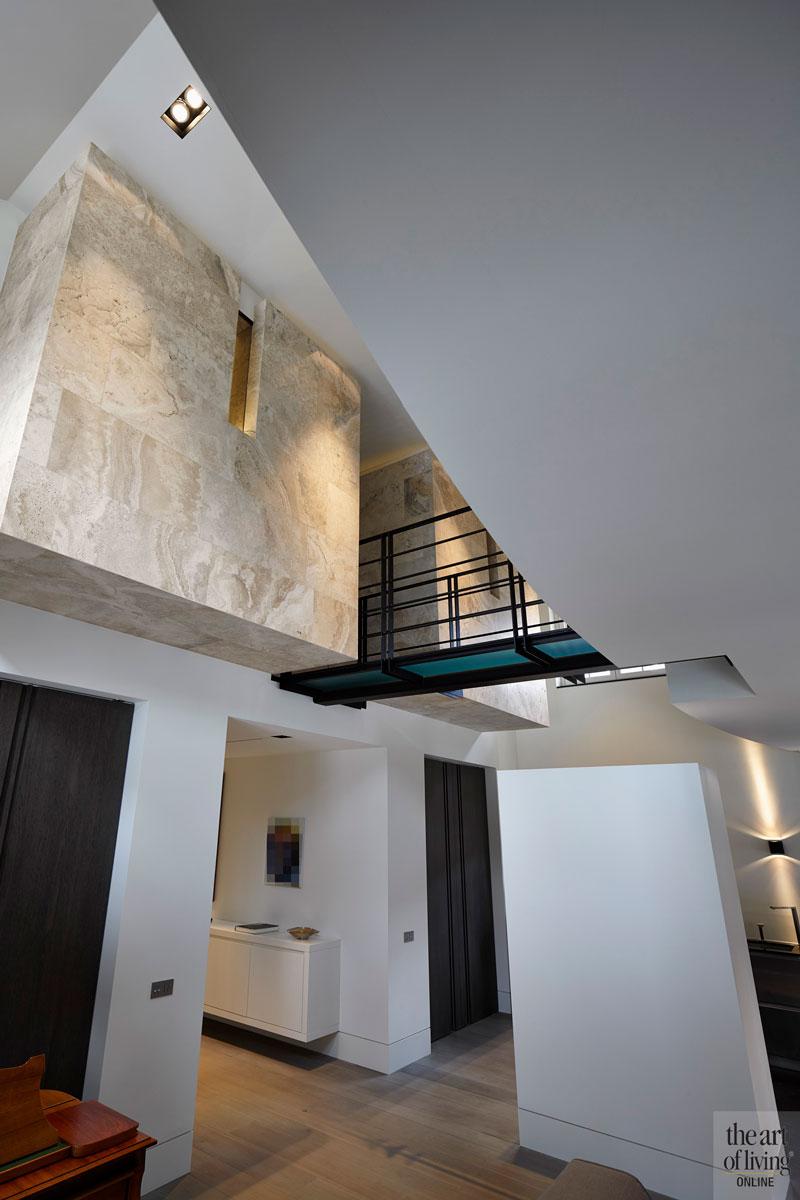 Vide, bovenverdieping, balustrade, ruimtelijk, licht, oud ontmoet nieuw, VVR Architecten