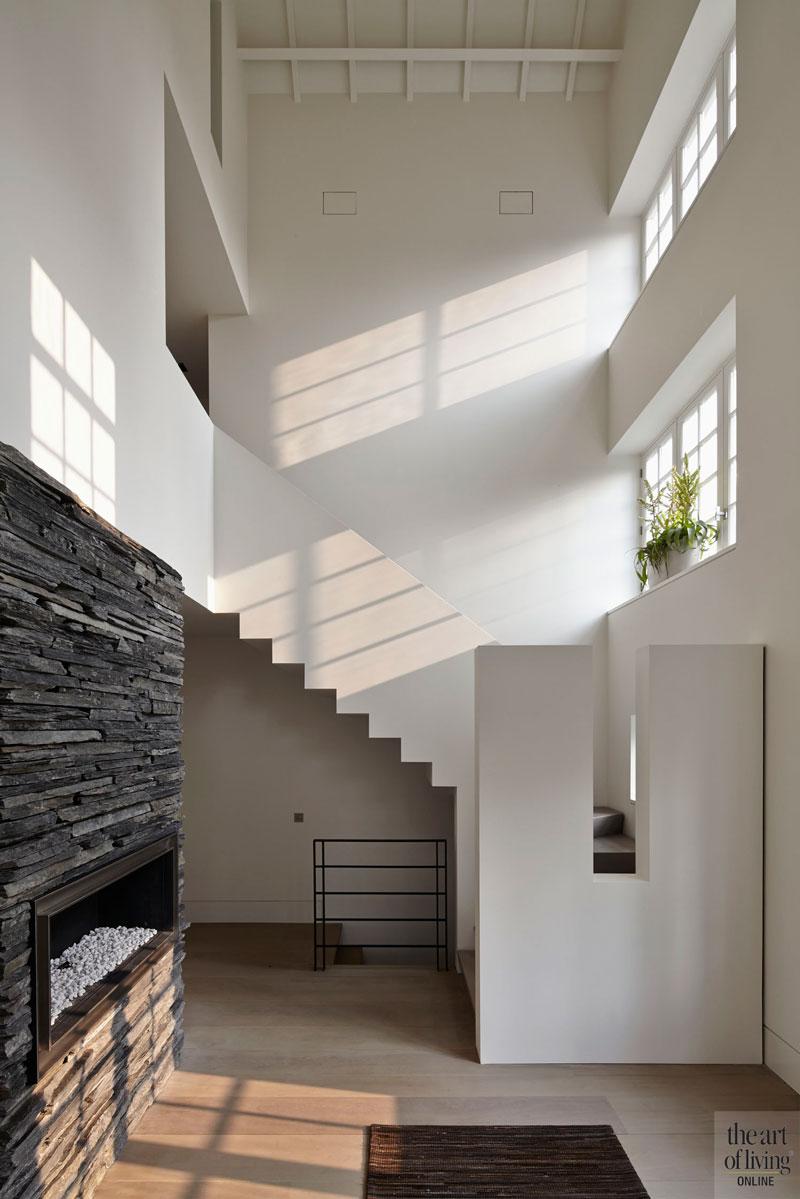 Houten vloer, trap, lichtinval, lichte woning, oud ontmoet nieuw, VVR Architecten