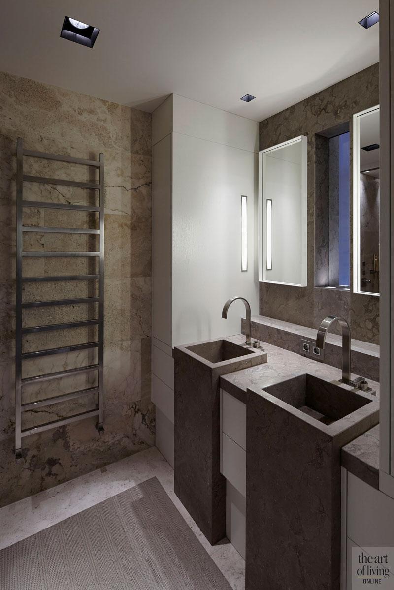 Badkamer, natuursteen, wastafel, spiegel, sanitair, oud ontmoet nieuw, VVR Architecten