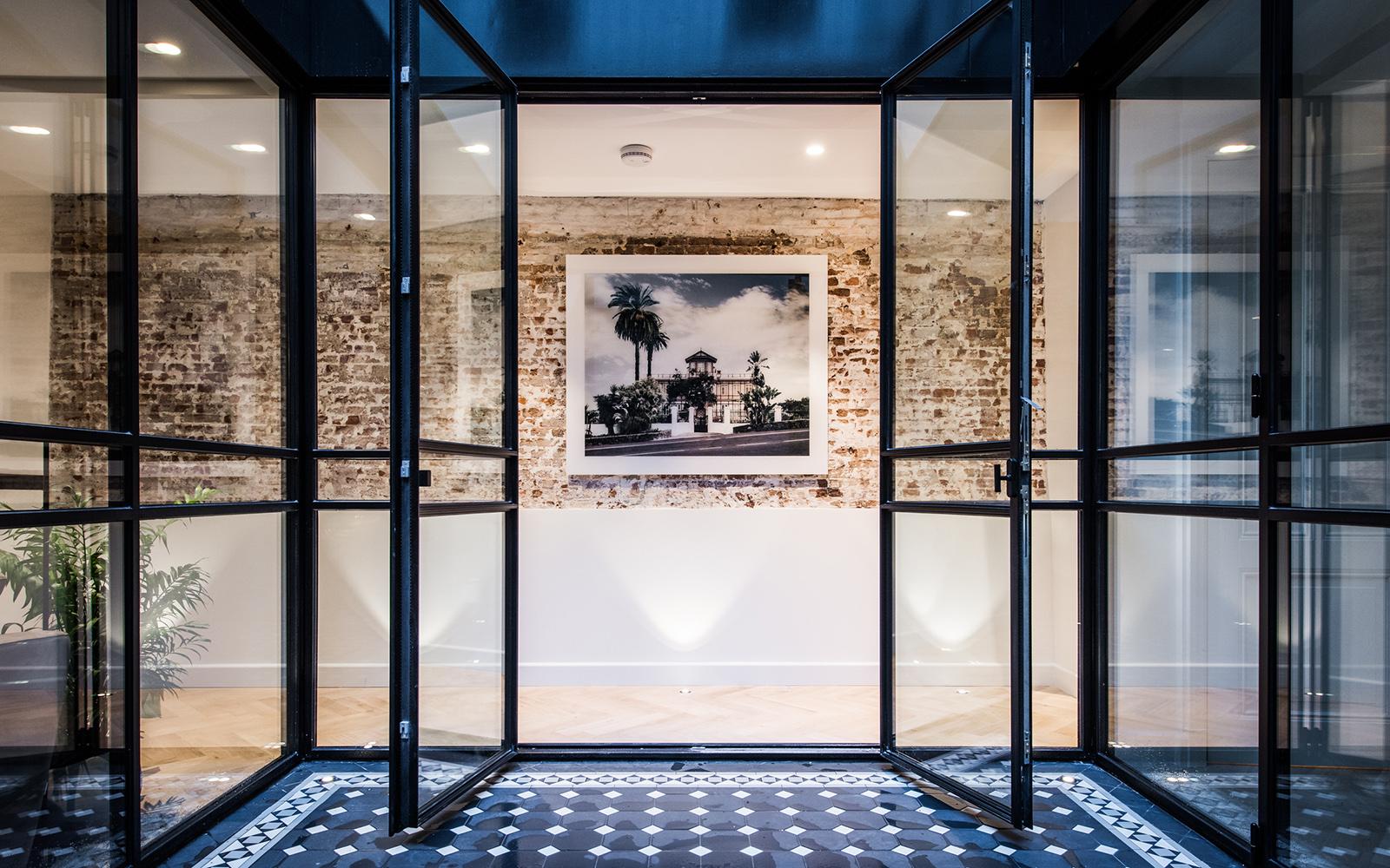 Amsterdam, Terras, tegels, authentiek, ramen, stalen deuren, studio co, co van der horst, broersma makelaardij, Zuiver Vastgoed, Prinseneiland 93