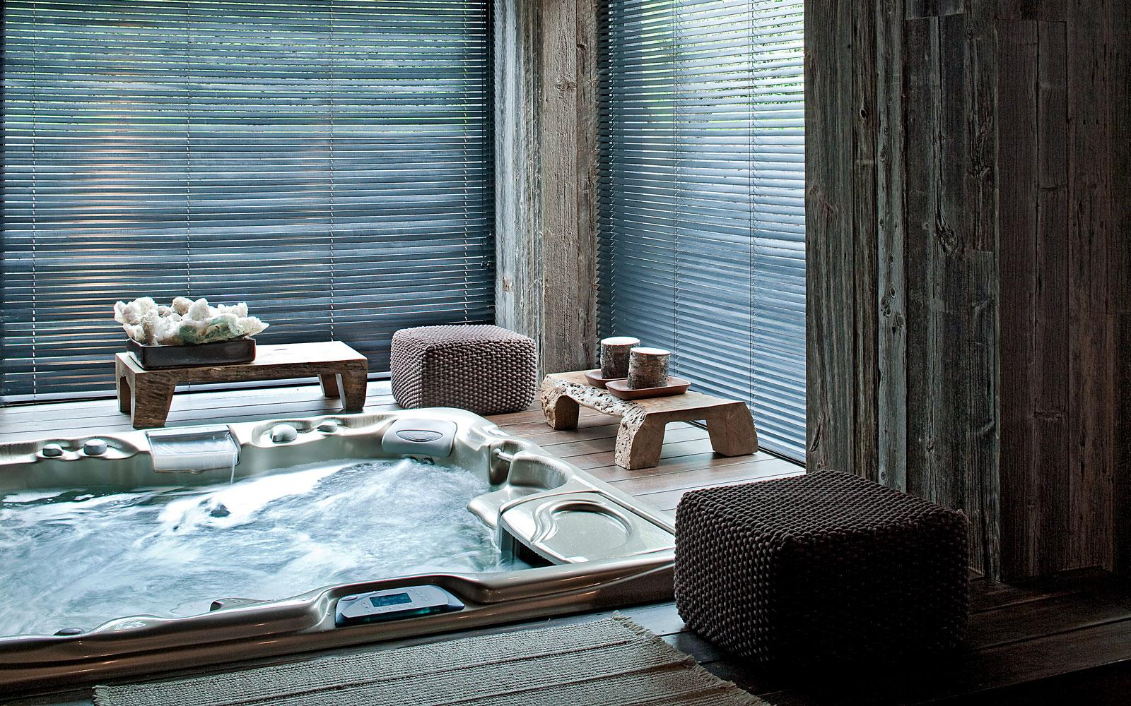 Wellness, souterrain, jacuzzi, ontspannen, bubbelbad, riante villa, Leeflang Architectuur
