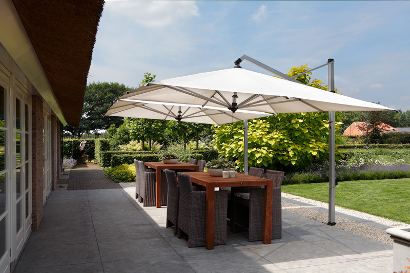 Tuin, PUUR Groenprojecten, parasols, buitenmeubilair, BOREK, hedendaags landhuis, Marco Daverveld