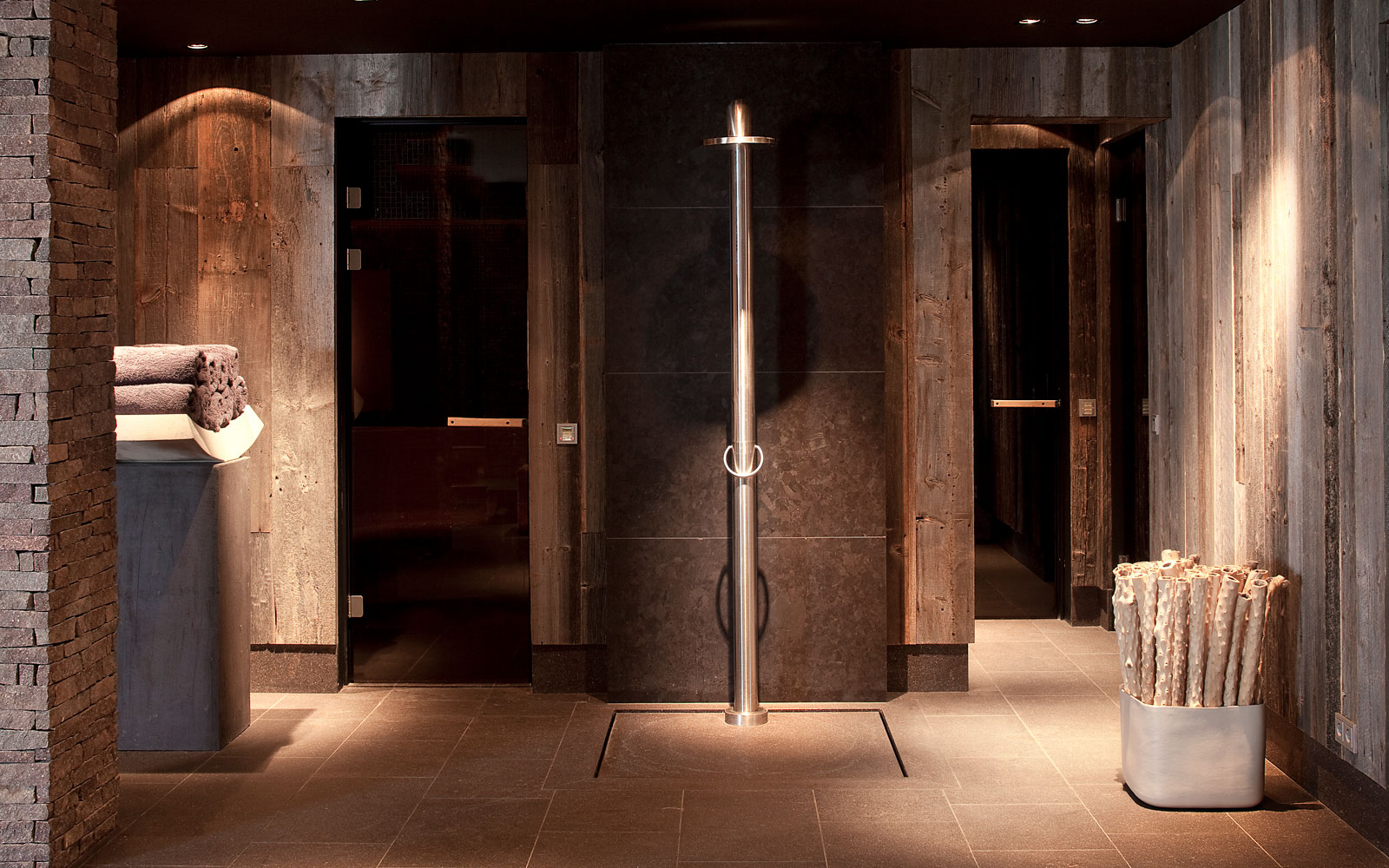Wellness, souterrain, douche, JEE-O, riante villa, Leeflang Architectuur