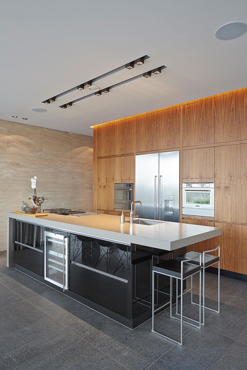 Keuken, maatwerk, Barletti Exclusieve keukens, kookeiland, houten kasten, natuurlijke materialen, Powerhouse Company