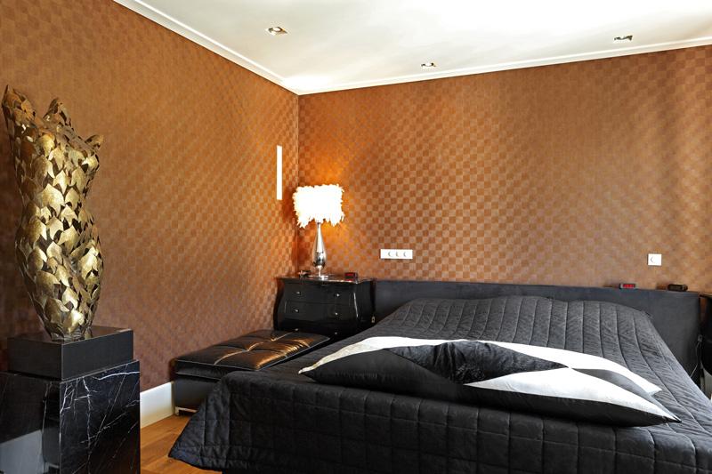 Slaapkamer, bed, master bedroom, houten vloer, Franse villa, Hertroijs Architekten