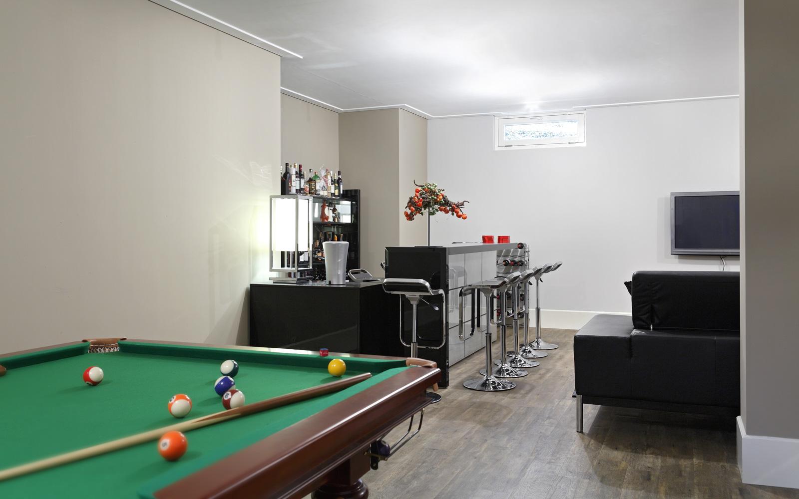 Kelder, biljart, speelruimte, bar, Franse villa, Hertroijs Architekten