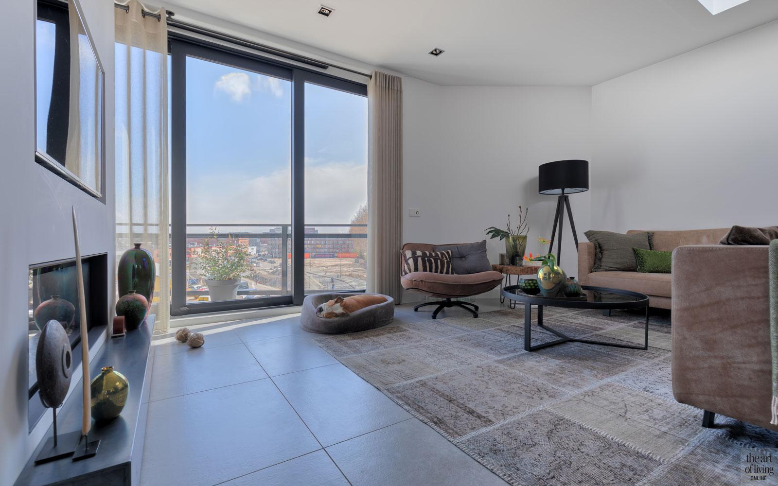 Woonkamer, living, zithoek, grote ramen, uitzicht, strakke tweekapper, kabaz, C. van der Grift