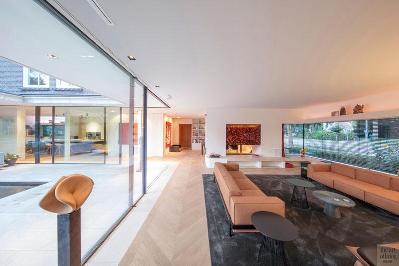 Woonkamer, groot raam, Si-X, open haard, doorkijkhaard, interieur, woonkamer, modern en eigentijds, De Bever Architecten