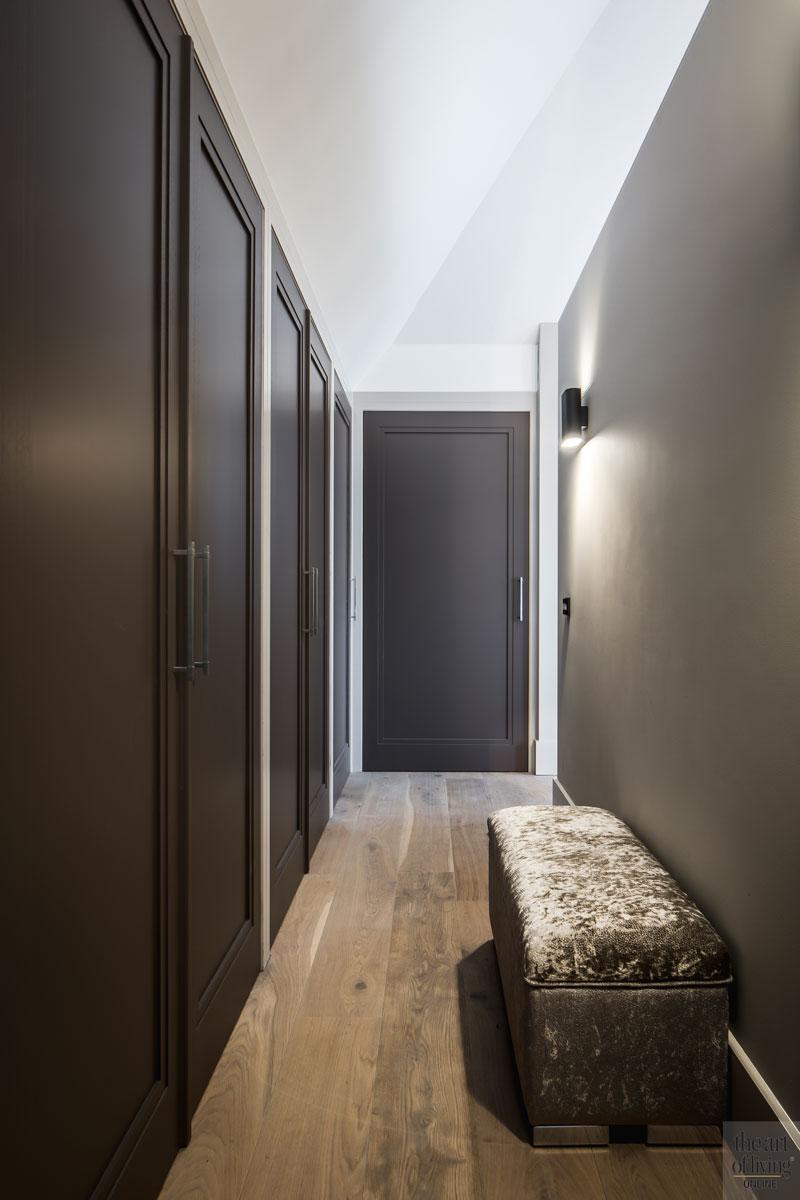 Hal, gang, bovenverdieping, stijlvol, villa met lef, Cindy Philips