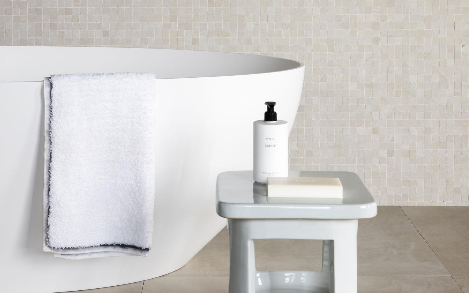 Badkamerblikvangers | Tegelgroep | Douglas & Jones | vt wonen
