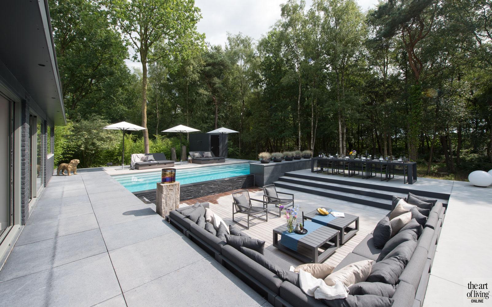 Zwembad, infinity pool, Elzen Zwembaden, houten vloer, Tablazz, Tuinmeubelen, Borek, wellnesstuin, Studio Redd