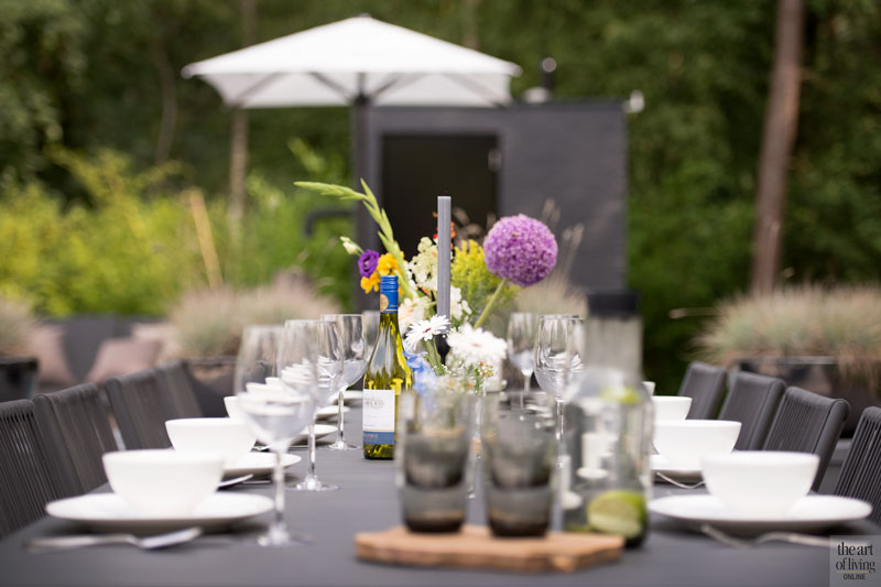 Tafel, buiten eten, eettafel, Borek, tuinmeubelen, wellnesstuin, Studio REDD