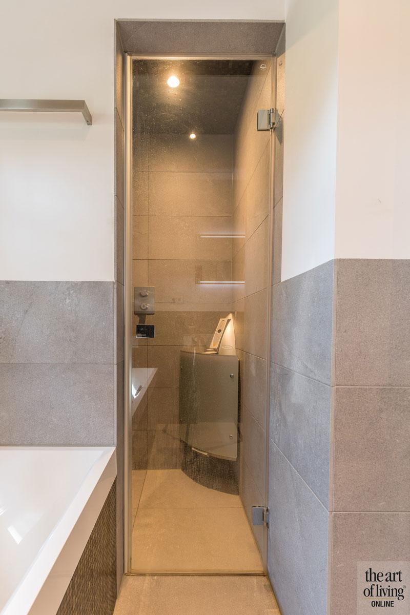 Badkamer, sanitair, wellness, inloopdouche, douche, duurzame villa, De Vries & Theunissen