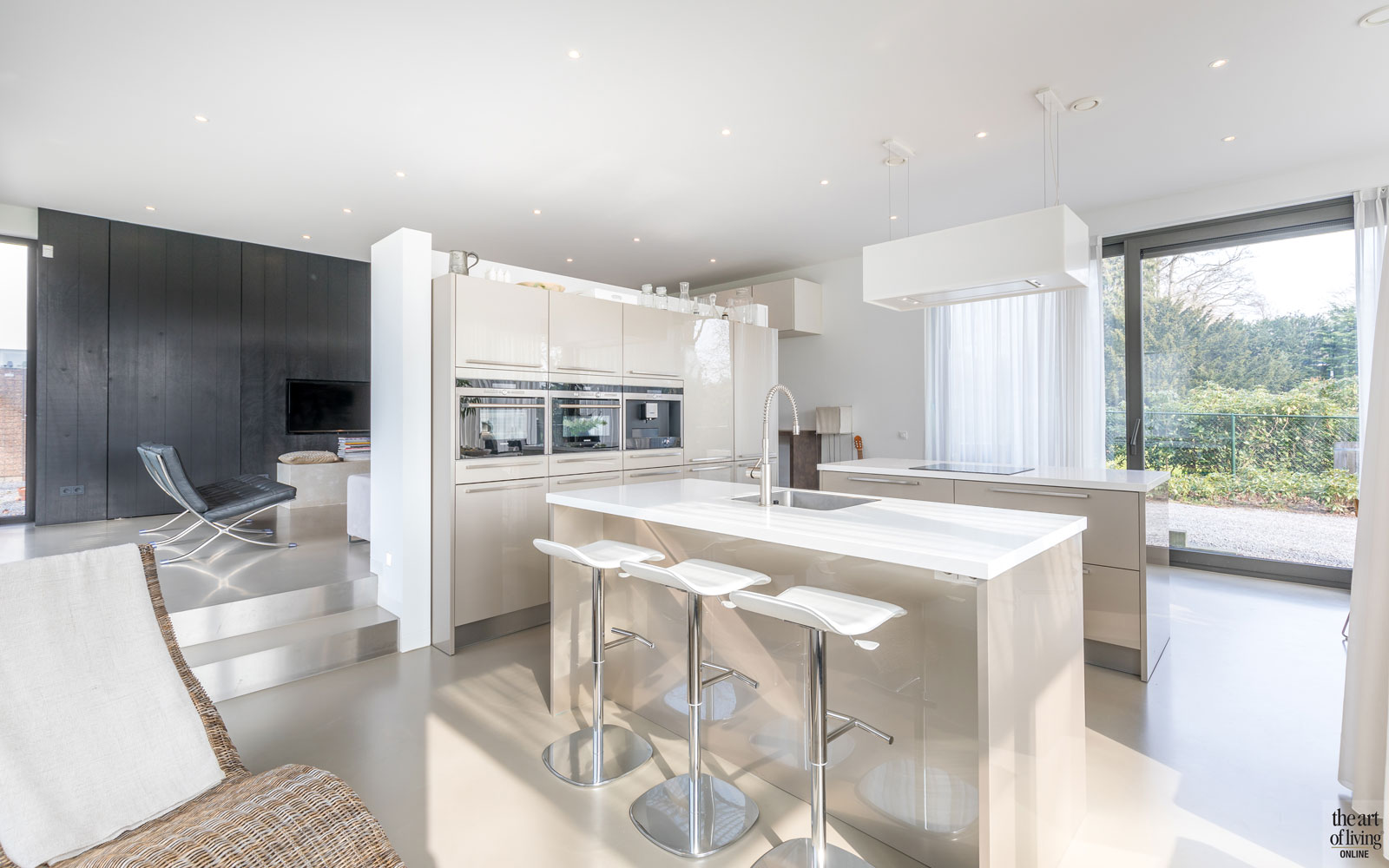 Keuken, aanrecht, kookeiland, oven, afzuigkap, Novy, royaal, duurzame villa, De Vries & Theunissen