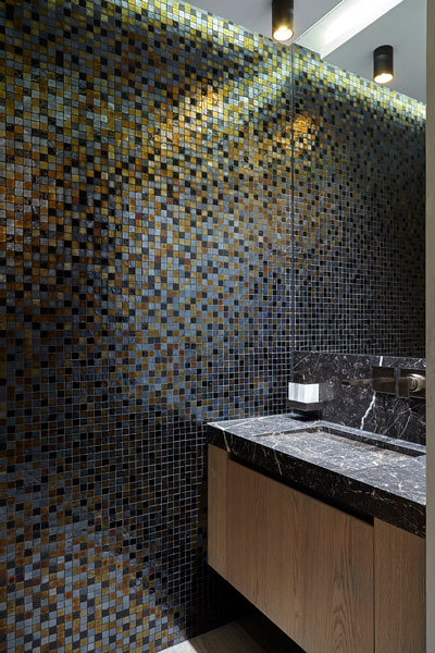 Badkamer, wastafel, mozaiek, sanitair, penthouse, Eric CKant