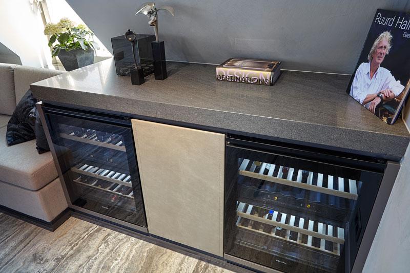 Wijnkoelkast, keuken, houten vloer, penthouse, Eric Kant