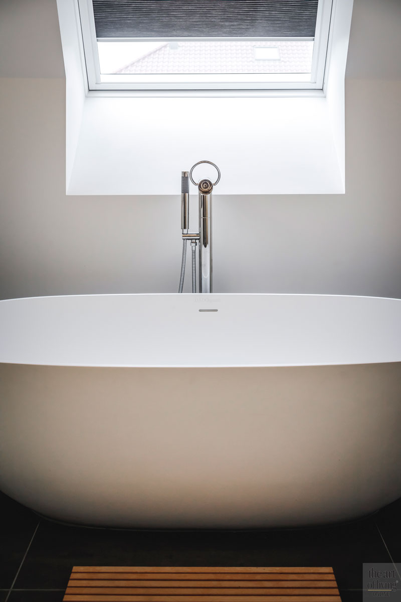 Badkamer, vrijstaand bad, bad, sanitair, landelijke nieuwbouw, Kabaz