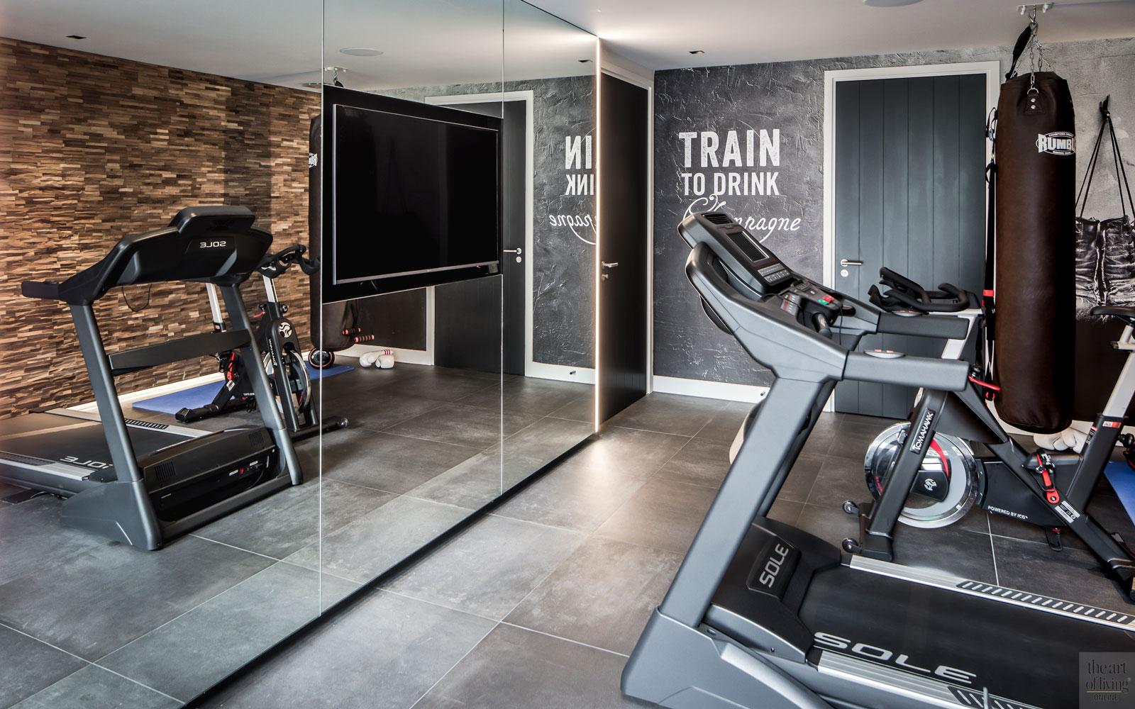 Fitnessruimte, sporten, televisie, geintegreerd, spiegelwand, landelijke nieuwbouw, Kabaz