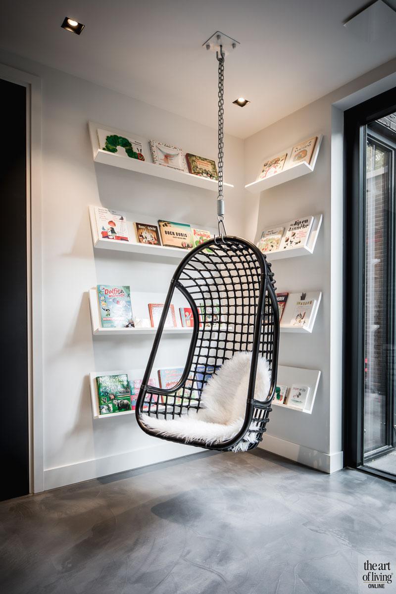 Schommelstoel, kinderkamer, boekenkast, landelijke nieuwbouw, Kabaz