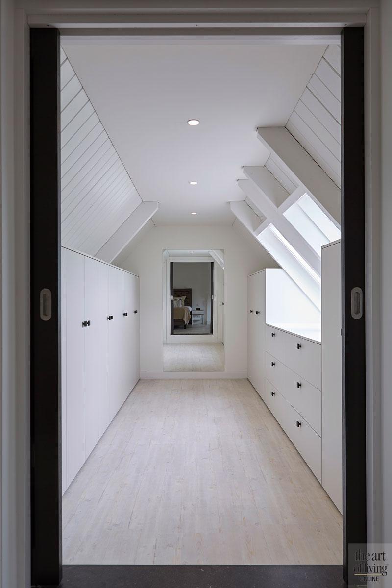 Bovenverdieping, kastenwand, maatwerk, slaapkamer, catwalk, jaren 30 villa, Marco Daverveld