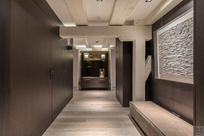 Hal, gang, kastenwand, maatwerk, houten balken, houten vloer, sfeervolle loft, Studio Vendrig