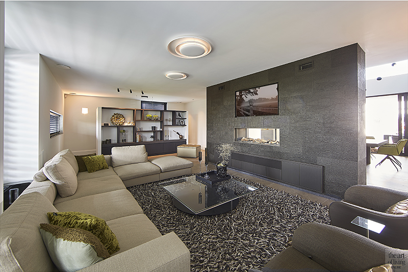 Marbelle villa, RMR Interieurbouw, alphenberg leather, leer, leren wanden, the art of living