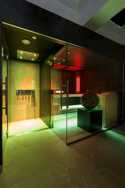 Wellness, VSB wellness, led verlichting, sauna, douche, zwembad, wellness, Versteegh Design, Stephen Versteegh