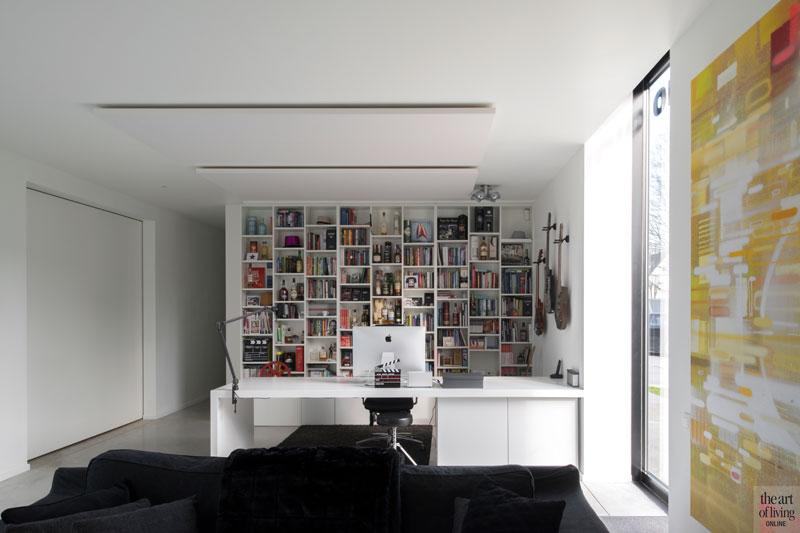 Wit bureau, Augustijns Keukens en Interieur, Kantoorgebouw | icoon.be architecten