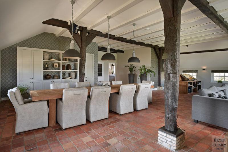 Eettafel, teakhout, maatwerk, Sfeervol Wonen, eetkamer, tegelvloer, houten balken, landelijk, modern, Hemels Wonen