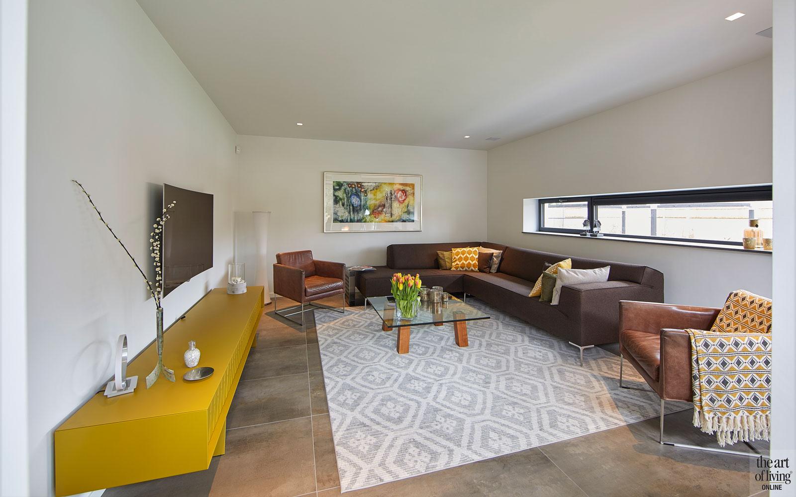 Woonkamer, living, vloerkleed, televisie, moderne bungalow, Leenders Architecten en Ingenieurs