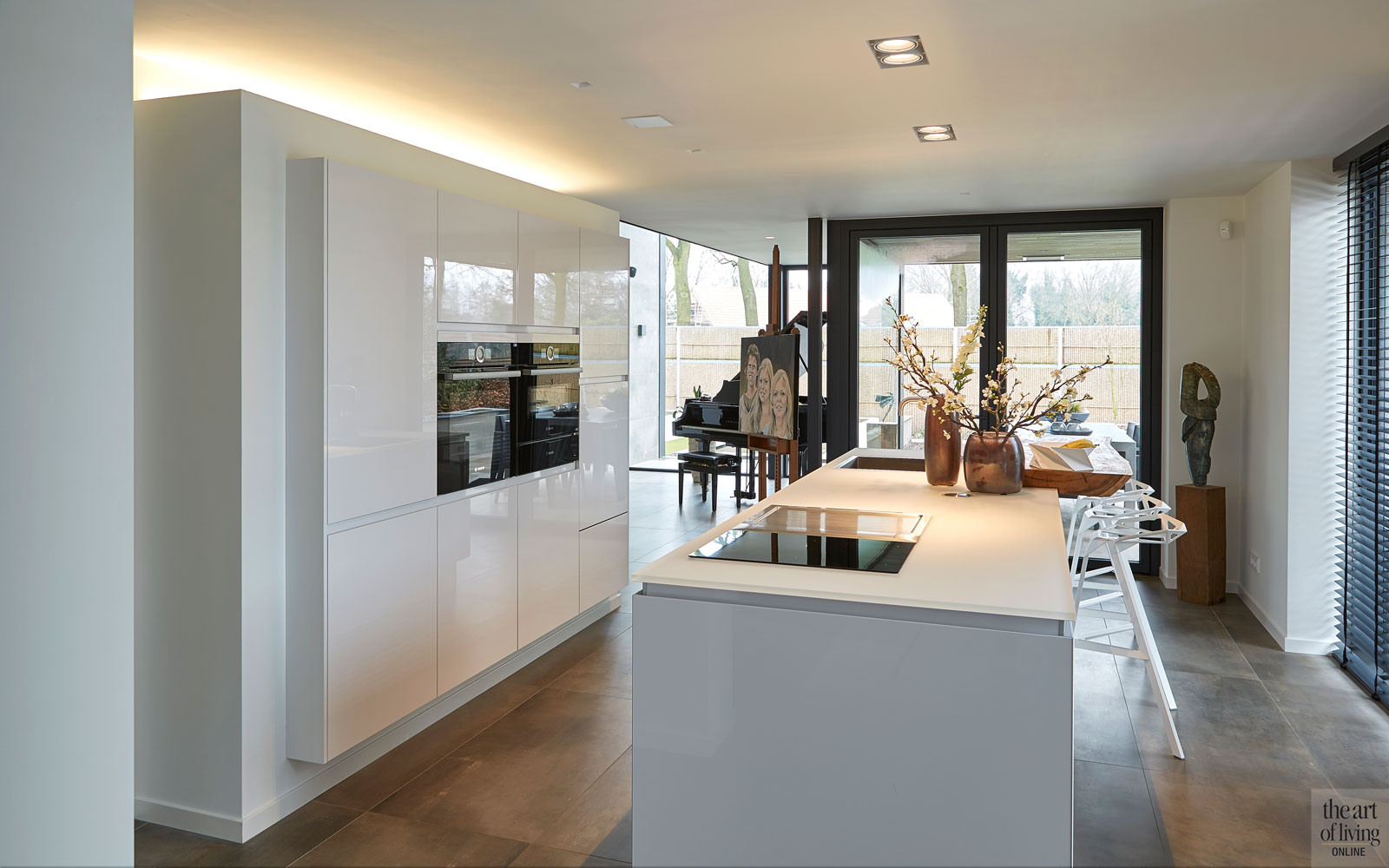 Strakke keuken, Goergen Keukens, leefkeuken, Bora, afzuigsysteem, kookeiland, moderne bungalow, Leenders Architecten en Ingenieurs