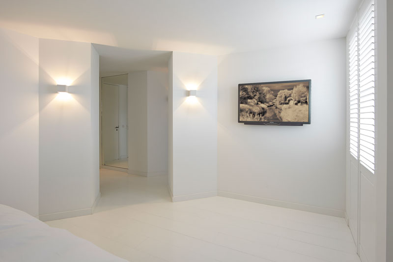 Slaapkamer, strak, wit, televisie, master bedroom, Penthouse, Marco Daverveld