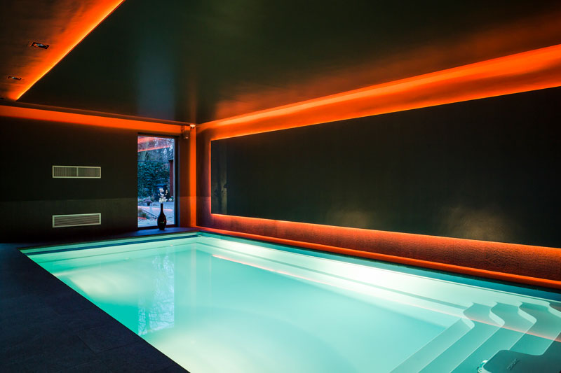 Zwembad, Waterstijl, space ambition, Delta Light, led verlichting, wellness, Stephen Versteegh