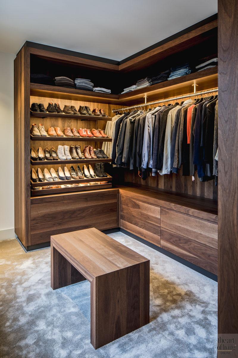 Inloopkast, walk in closet, slaapkamer, maatwerk, houten kast, monumentale villa, Van den Wildenberg