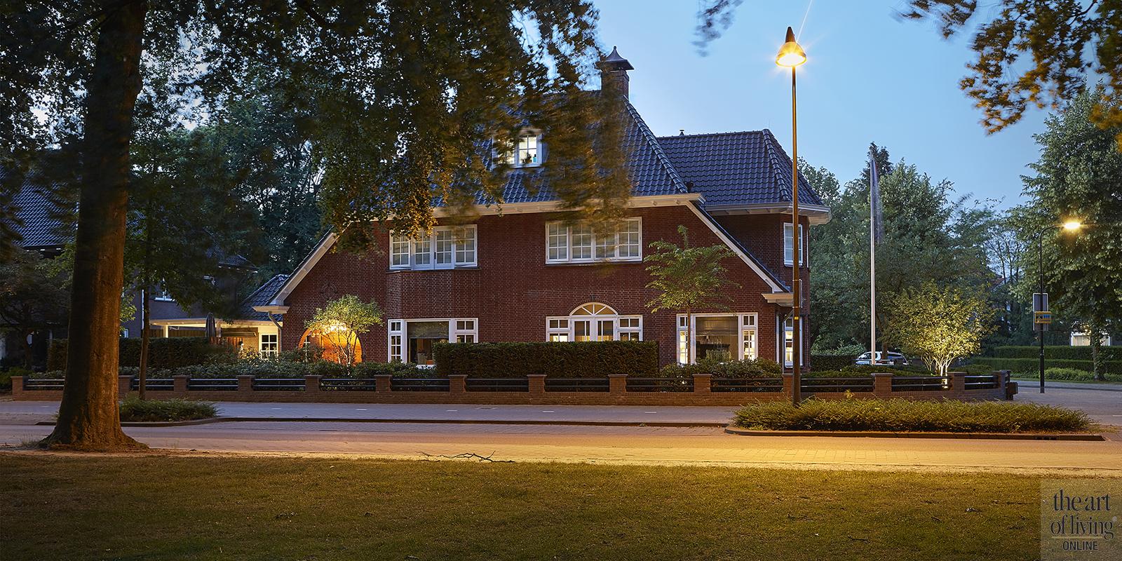Karakteristieke villa | Biljoengroen tuinarchitect via The Art of Living Online
