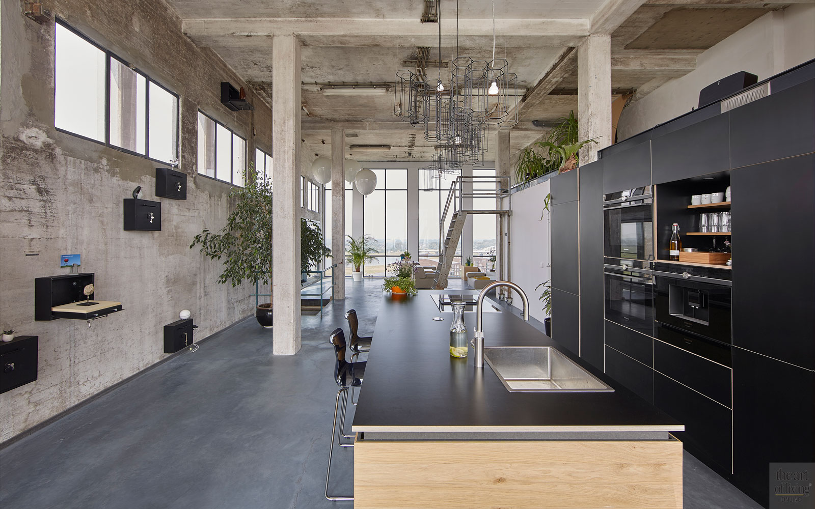 Zwart Betonvloer Keuken : Bijzonder appartement sfeerbeton the art of living nl