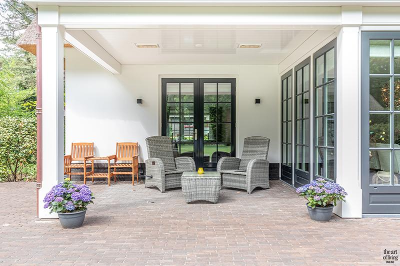 Klassiek-Landelijke Villa met tuin snufje gerealiseerd door architectenbureau Atelier 3