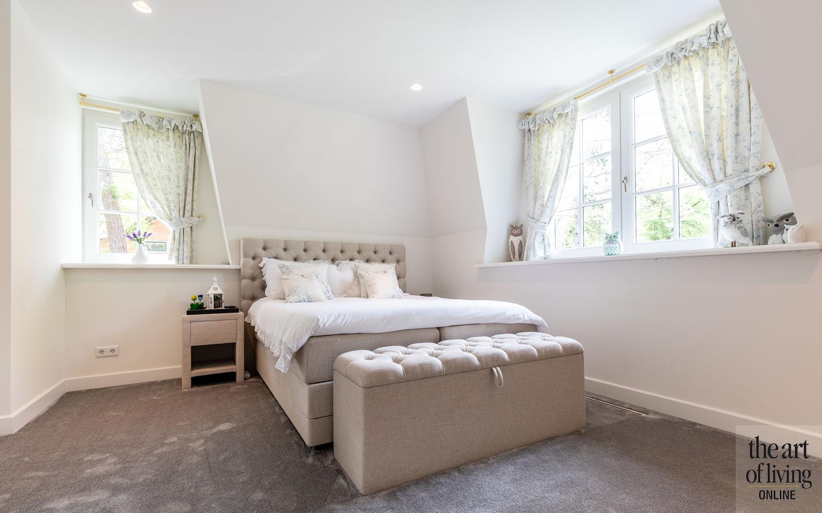 Klassiek-Landelijke slaapkamer door Architectenbureau Atelier 3 via The Art of Living Online