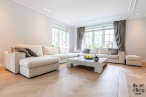 Klassiek-Landelijke woonkamer door Architectenbureau Atelier 3 via The Art of Living Online
