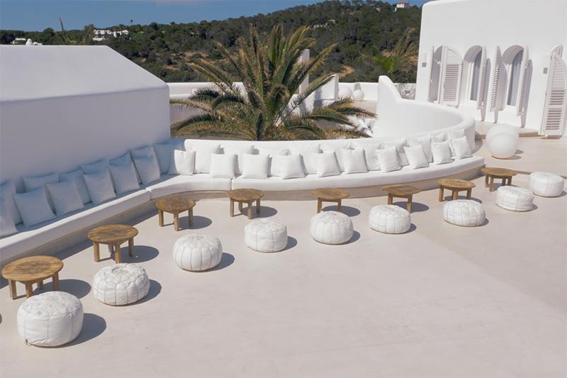 Ibiza villa, Yolanthe en Wesley Sneijder, Ibiza, Te huur, Villa, Luxe, High-end, Ibiza stijl, Lounge, Relaxing, Exterieur, Terras