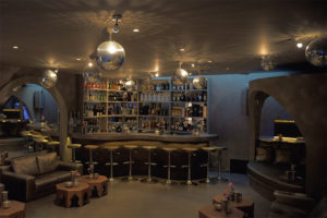 Ibiza villa, Yolanthe en Wesley Sneijder, Ibiza, Te huur, Villa, Luxe, High-end, Ibiza stijl, Bar, Discotheek, Cocktails