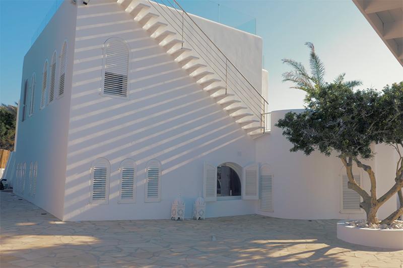 Ibiza villa, Yolanthe en Wesley Sneijder, Ibiza, Te huur, Villa, Luxe, High-end, Ibiza stijl, Exterieur, Tuin