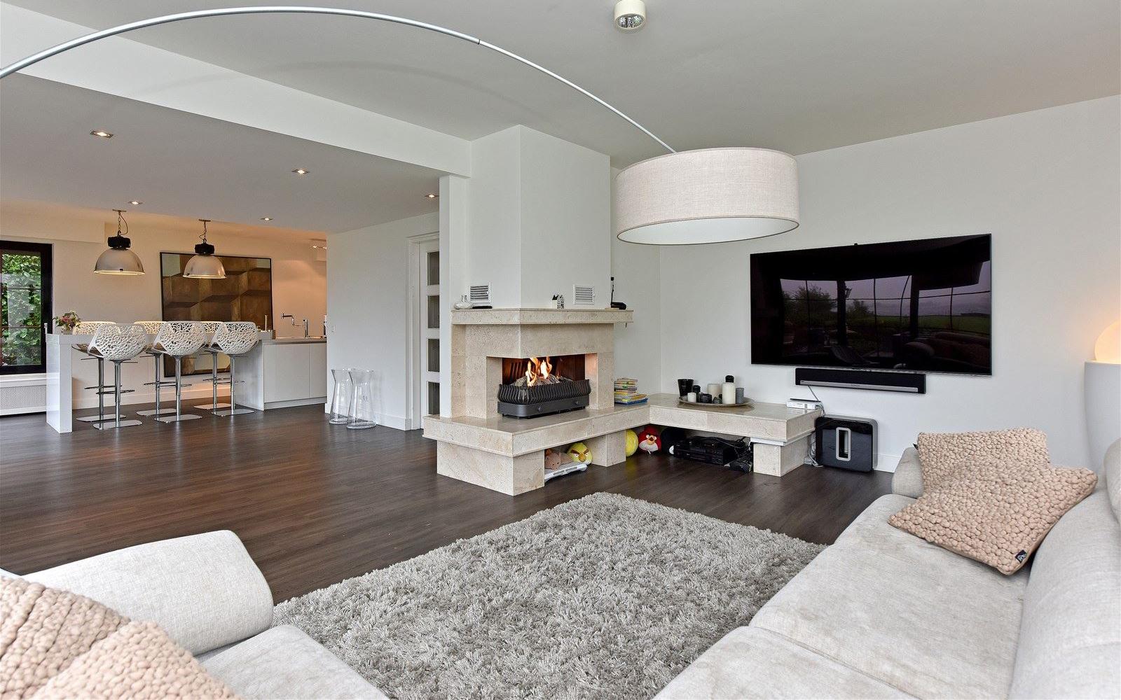 Villa André Hazes, Vinkeveen, Vinkeveense plassen, Zuidplas, Amsterdam, Utrecht, Villa, Te koop, Woonkamer, Lounge, Tuin, Haard, Design, Modern