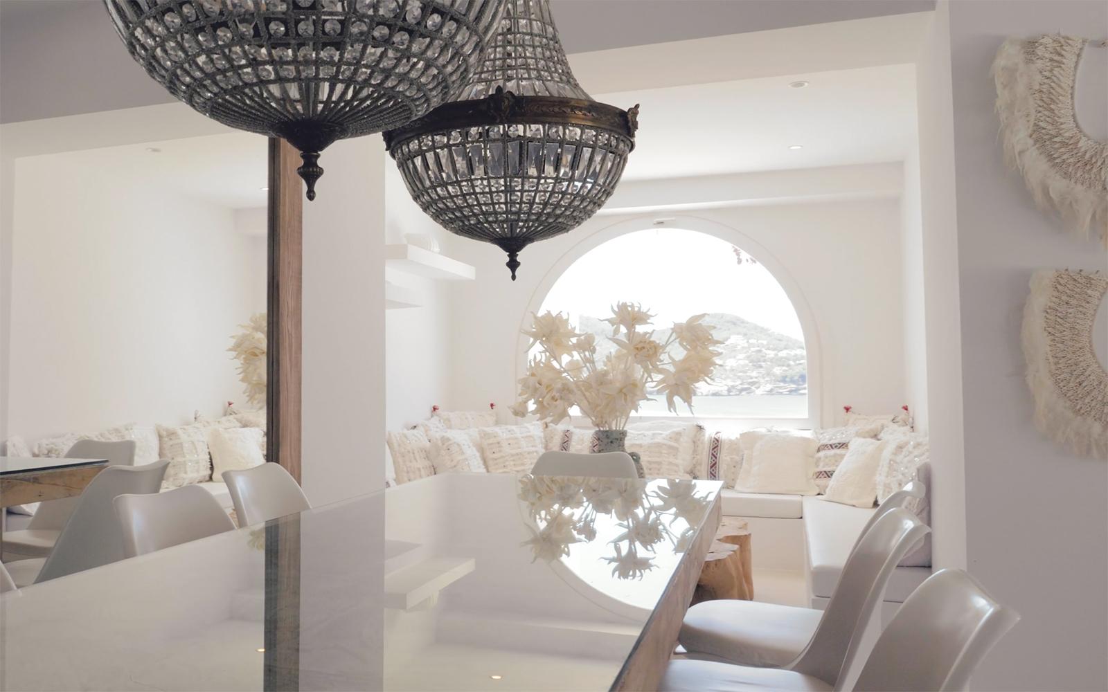 Ibiza villa, Yolanthe en Wesley Sneijder, Ibiza, Te huur, Villa, Luxe, High-end, Ibiza stijl, Eettafel, Eetkamer