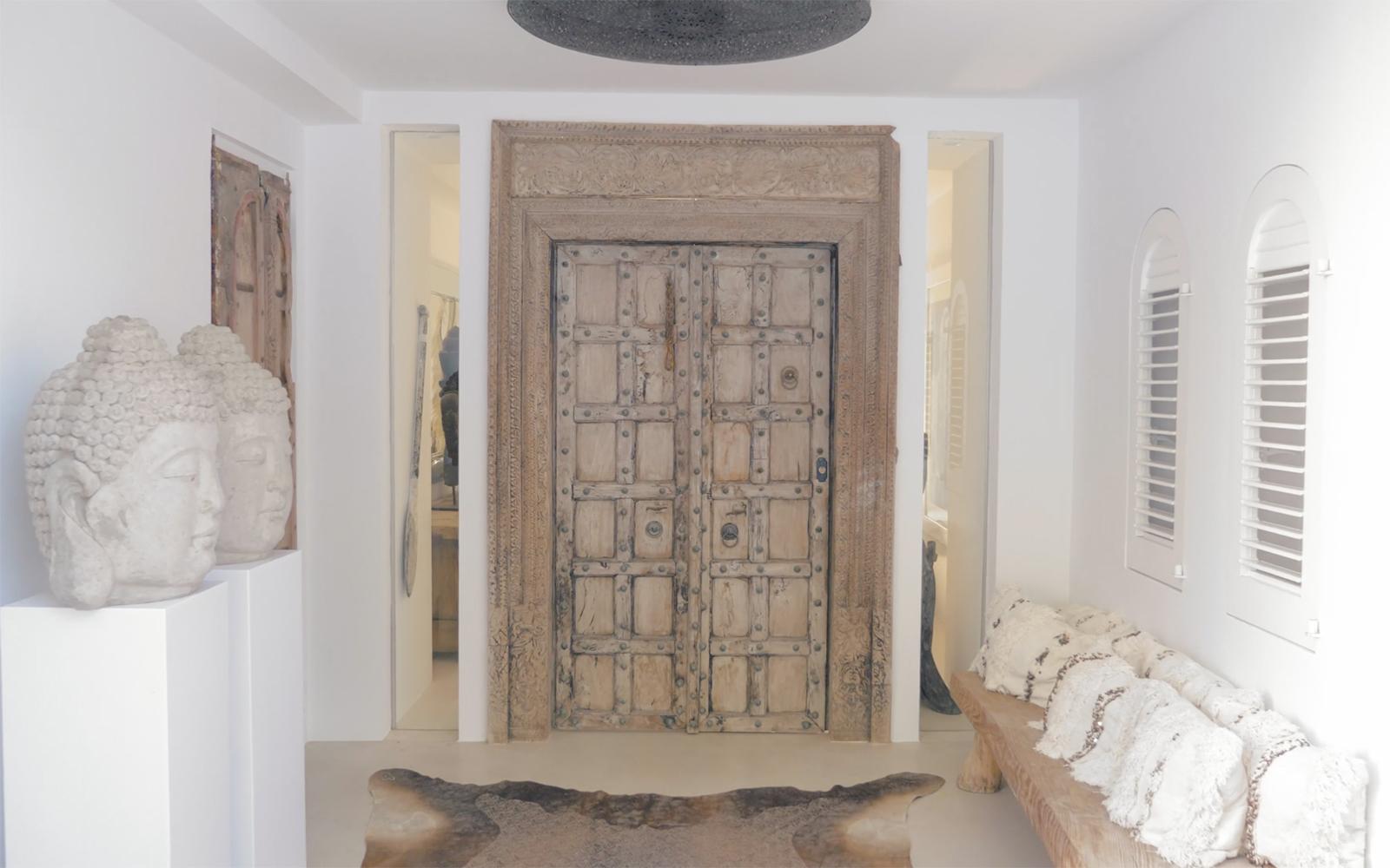 Ibiza villa, Yolanthe en Wesley Sneijder, Ibiza, Te huur, Villa, Luxe, High-end, Ibiza stijl, Authentieke deur, Details